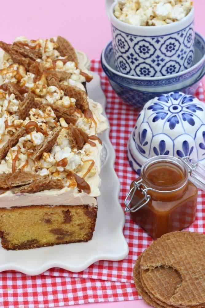 stroopwafelcake met karamel en popcorn
