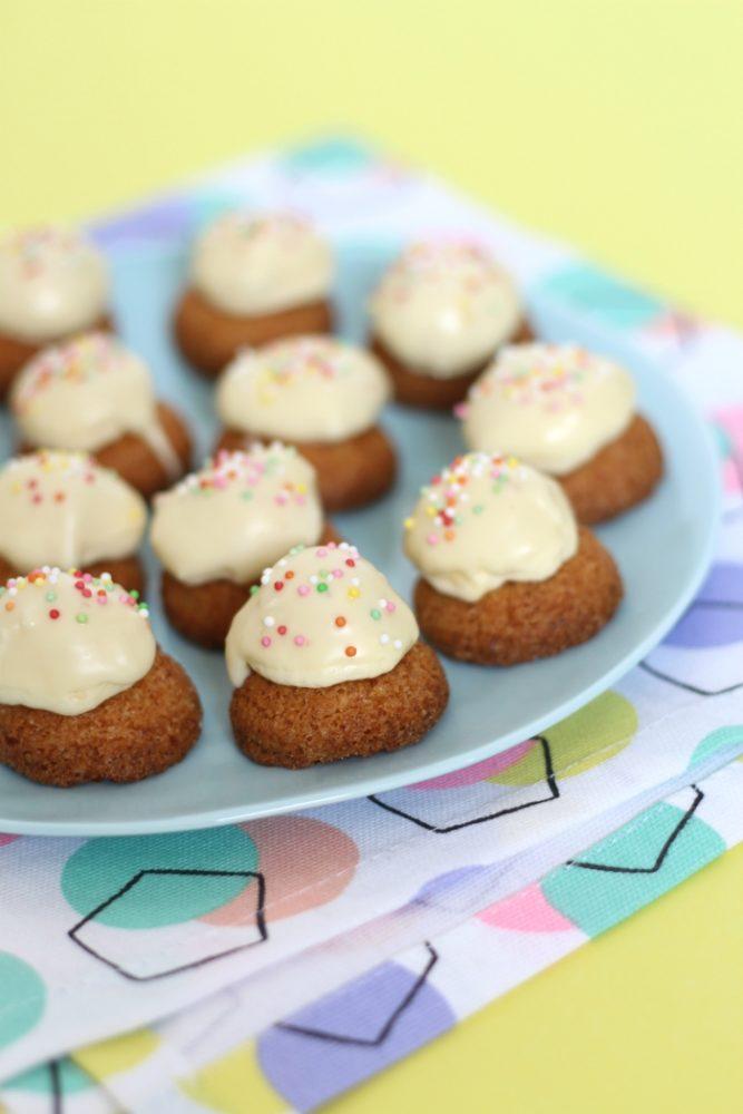 Bitterkoekjes met botercrème en discodip